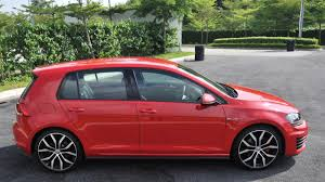 volkswagen golf r compared to the golf gti reviewed walauwei com