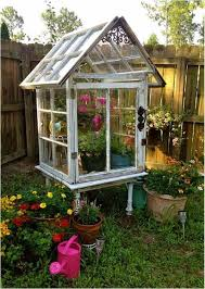How To Make A Small Outdoor Shed by The 25 Best Small Greenhouse Ideas On Pinterest Diy Greenhouse