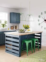 table de cuisine en palette îlot central en palette 32 idées diy pour customiser sa cuisine