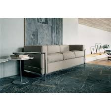 canape cuir le corbusier le fauteuil lc2 fauteuil grand confort de le corbusier