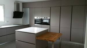 cuisiniste aubagne réalisation d une cuisine design à aubagne 13 equipée bosch