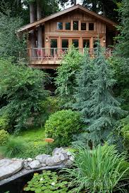 small houses that look like castles 23 unbelievable treehouses that are better than your dream house