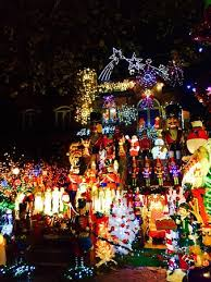 dyker heights christmas lights tour 2017 smart lights in the heights new maison totalement illuminée de dyker