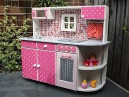 jeux de cuisines cuisine à pois blancs avec four et plaques kitchen play