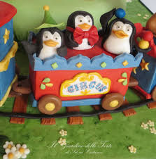 penguins madagascar circus cake silvia costanzo cakesdecor