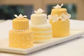 mini wedding cakes miniature wedding cakes meandyoulookbook