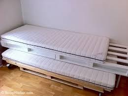 Diy Folding Bed Pallet Trundle Bed Easy For The Kiddos Diy