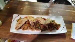 cap cuisine bordeaux filet de rouget au sésame wok de légumes nouilles chinoises