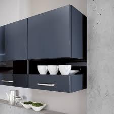 falttür küche hängeschränke für die küche tipps zur auswahl montage