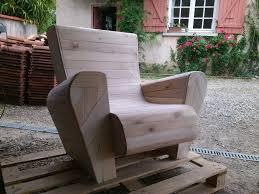 meuble fait en palette meuble fait avec des palettes 1 fauteuil club en bois de