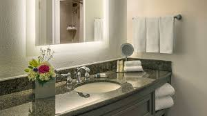 amenities at doubletree by hilton austin texas hotel