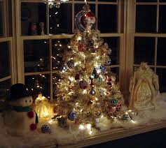 Christmas Window Decorations Lights by Find Your Perfect Christmas Tree