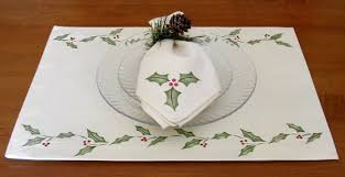 craft project christmas holly placemats and napkins
