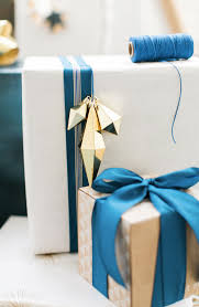 gold gift wrap gift wrapping just got easier and apartment34