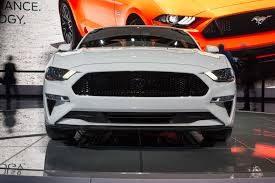 02 Black Mustang Gt 11 Significant Changes To The Refreshed 2018 Ford Mustang Motor