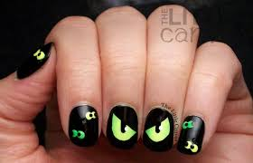 are you afraid of the dark spooky eyes nail art chalkboard my