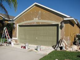 Spray Paint House Walls Chalky And Faded Paint House Painting Project In Melbourne Fl