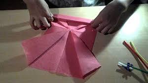 Pliage De Serviette En Papier 2 Couleurs Papillon by Pliage De Serviette En Forme De Papillon Youtube