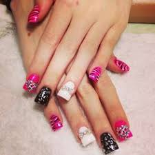 love the colors and design not the duck look nail art