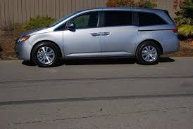 odyssey car reviews and news at carreview 2016 honda odyssey se car reviews and news at carreview com