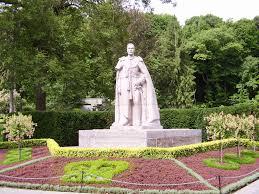 file king george vi statute in niagra falls jpg wikipedia