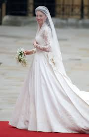 everyone loves princess kate and her dress