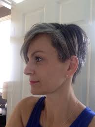 how to grow out short hair into a bob 3 1 2 months into my grow out i had no idea that i have a silver