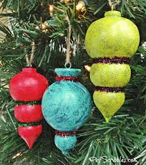 how to sparkling painted tree ornaments
