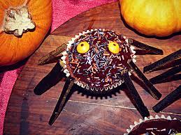 chez maximka halloween spider cupcakes
