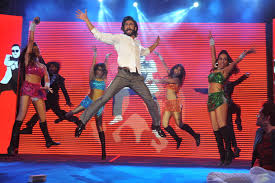 reliance digital home theater ranveer singh dancing at the launch of samsung galaxy s4 in