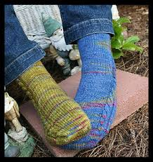 knitting pattern for socks using circular needles a great simple toe up sock pattern for travel knitting pattern is