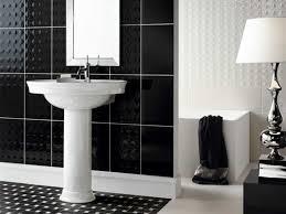 desain kamar mandi warna hitam putih 40 model warna keramik kamar mandi