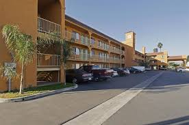 Comfort Inn And Suites Anaheim Anaheim Hotel Coupons For Anaheim California Freehotelcoupons Com