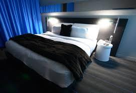 dunkles schlafzimmer welche wandfarbe zu dunklen möbeln