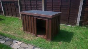 Outdoor Kennel Ideas by Build Your Own Dog Kennel Out Of Pallets Youtube