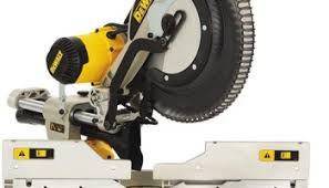 best black friday deals on dewalt table saws lowes black friday 2014 tool deal dewalt miter saw