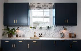 navy blue kitchen cabinets with brass hardware blue cabinets with pulls page 1 line 17qq