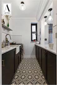 Wohnzimmer Modern Hell Geräumige Küche Mit Zwei Zeilen Weiße Hochglanz Fronten Und Holz