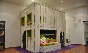 meubles chambre enfants meuble en palette 81 idées diy pour votre espace maison