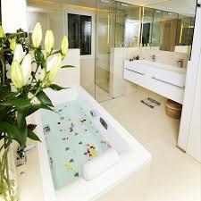 hotel baignoire dans la chambre chambre baignoire balnéo photo de hotel calma
