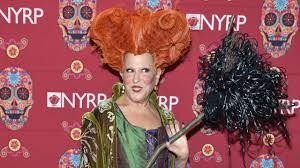 new york city halloween costumes bette midler brings winifred sanderson back to life in epic u0027hocus