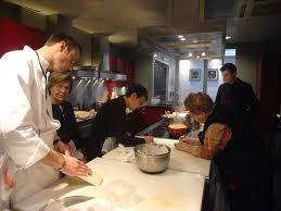 offrir un cours de cuisine avec un grand chef cours de cuisine chez alain ducasse mises en bouche et fingerfood