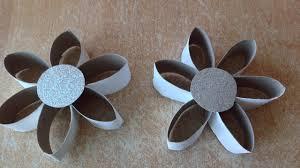 bricolage noel avec rouleau papier toilette diy déco de noël fariquer une étoile de noël en rouleaux de papier