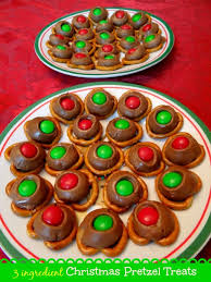 3 ingredient christmas pretzel treats recipe mommy snippets