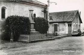 bureau de poste etienne cpsm 03 etienne de vicq monument aux morts et bureau
