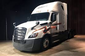 cost of new kenworth truck daimler trucks unveils redesigned 2018 freightliner cascadia