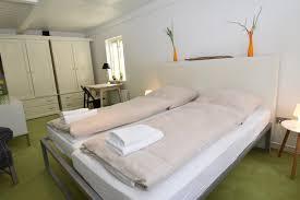 Schlafzimmer Anna Otto Ferienhaus Altes Holzfällerhaus Deutschland Glücksburg Booking Com