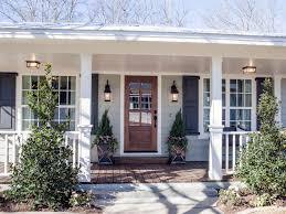 fixer upper the carriage house at the magnolia b u0026b hgtv u0027s fixer