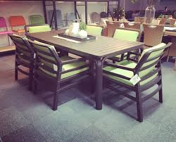 nardi alloro 210 dining table with aria chairs in caffe lime