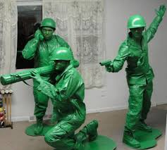 Funny Halloween Costumes For Men Awesome Costume Unique Halloween 3 Men Painted As Toy Soldiers